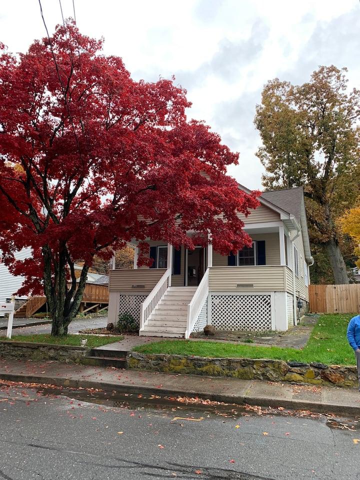Steps to West Point, updated Highland Falls home