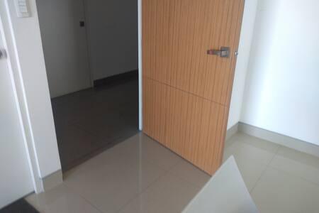 puerta amplia para entrar con silla de ruedas