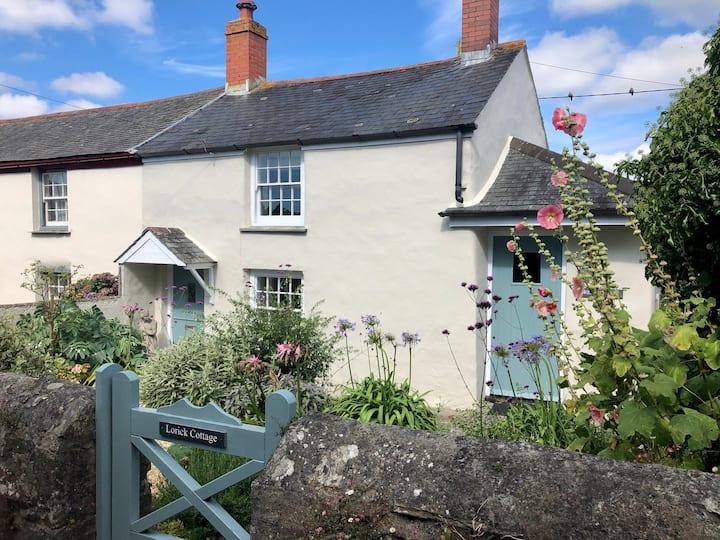 Cosy Cornish Coastal Cottage near St Mawes