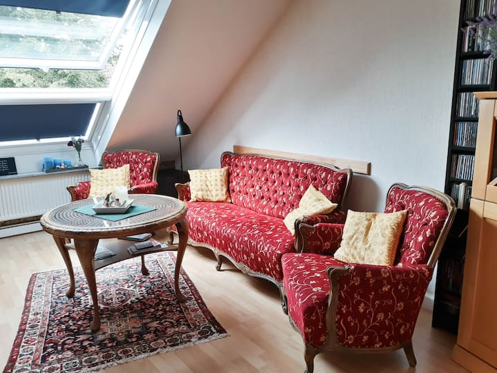 Spacious 2-room apartment in quiet neighborhood
