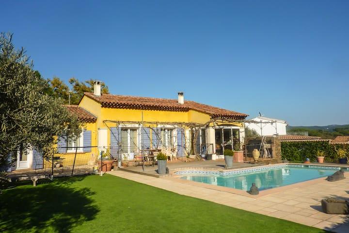 Villa style provençal avec piscine 8mx4m