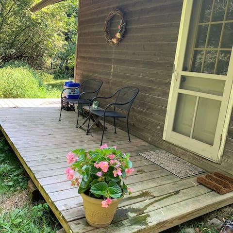 Off-grid Tiny House farm stay