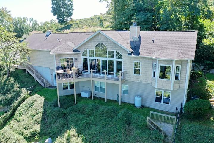 *Wildwood Mountain Lodge*Scenic View-Luxury Living