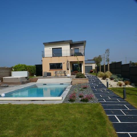 TI LAOUEN Villa 4 *  piscine chauffée/SPA/vue mer