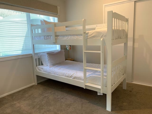 Bedroom 2 - Bunk bed with trundle bed