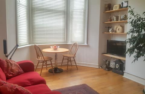 A secure, self-contained 1 Bed Ground Fl. Gdn Flat