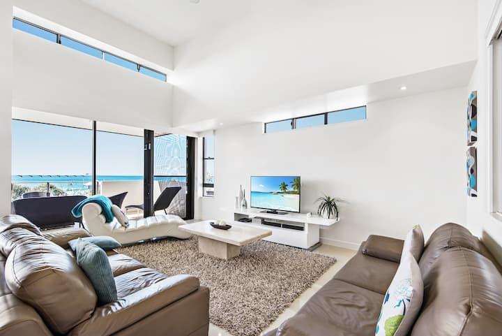 Maroochydore Stunning Boutique Beach apartment