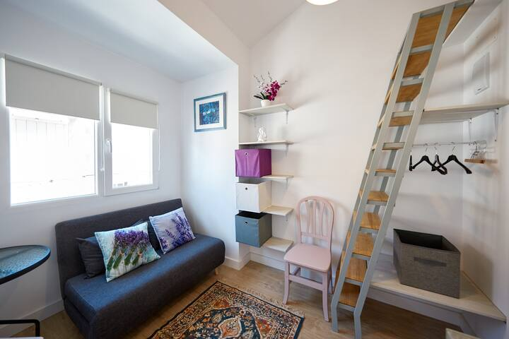 Lavender cozy studio near Renfe
