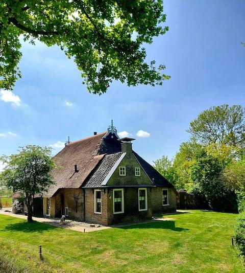Knus groen huisje met sauna en jaccuzzi