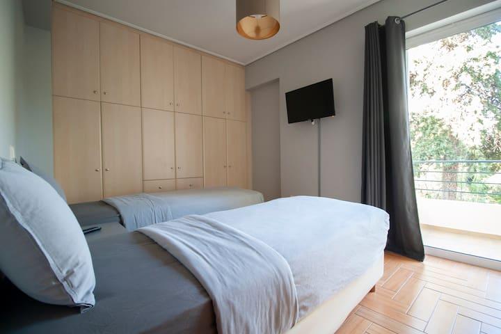 Bed room 2 / Υπνοδομάτιο 2