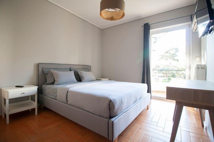 Bed room 1 / Υπνοδομάτιο 1