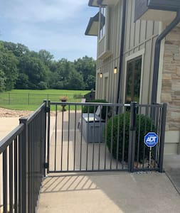 Gas access to pool area and entrance for safety is well lit for your arrival. The light switch for this outside light is in garage gym.