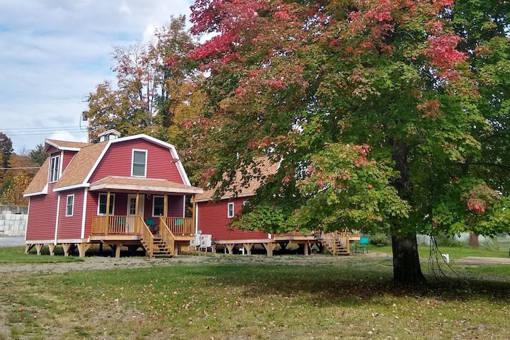 Stay in new barn (#2)! 4 bedrooms, large yard!