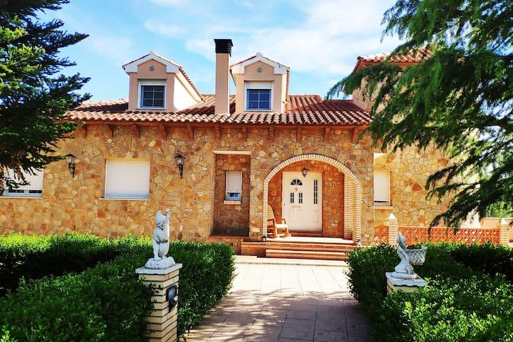 <3 Villa w Views/BBQ/Parking-Teruel en 2 min