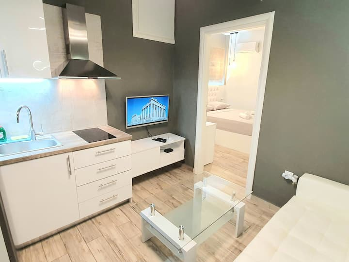 Lux apartment 12 with yard in the heart of Athens