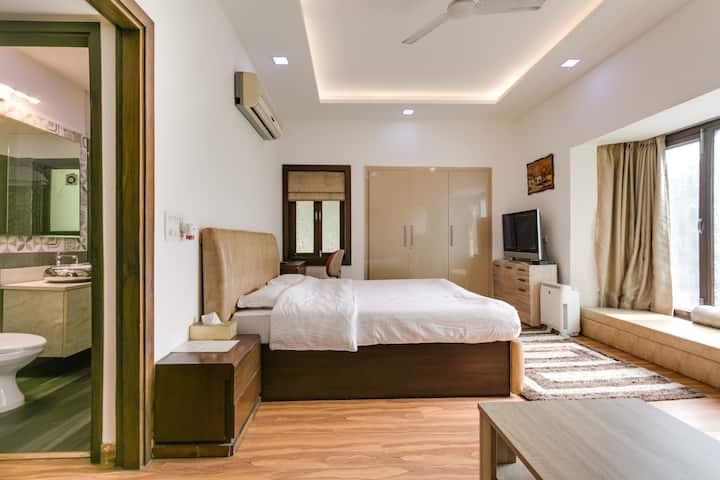 Studio apartment in Safdarjung enclave,South Delhi