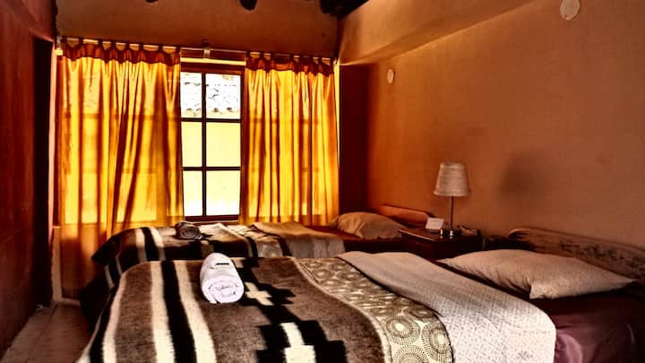 Lovely twin room with private bathroom