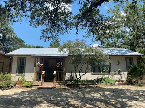 Private Guest House in the heart of Wimberley, TX