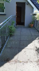 Access to the house is wheelchair friendly