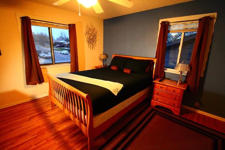 Queen bed, sooo Comfy,  Sound Sleep