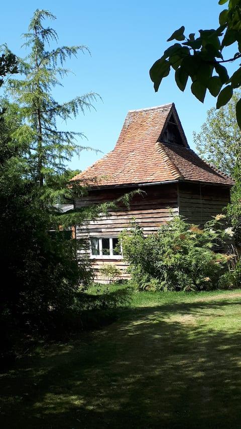 Quriky  Dove House no terreno da Mansão 16C.