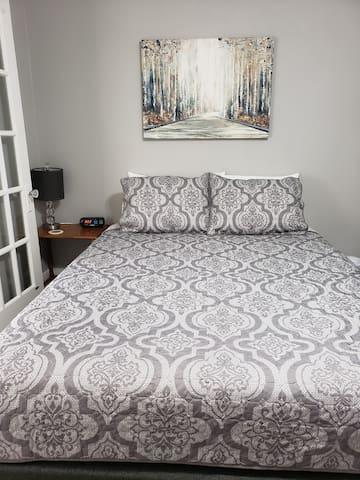 3rd bedroom, Queen size bed