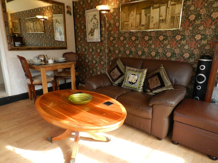 The Old Dairy,charming annexe,5 min walk Ringwood