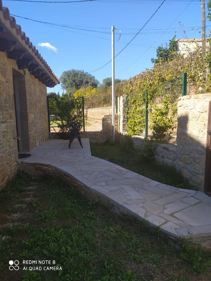 Casa de pedra a la Vall de Sant Daniel