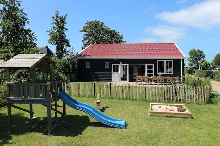 logeren in een grote familielodge in Friesland