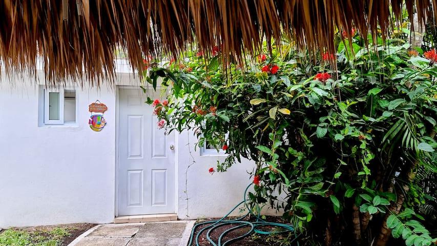 Habitación #4 Se encuentra en la parte externa de la casa, pegado al rancho