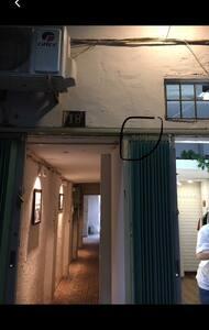 שביל כניסה מואר היטב