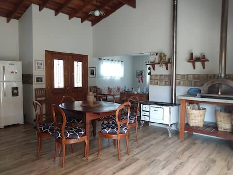 Cottage with cosy Lofts 120km from SP