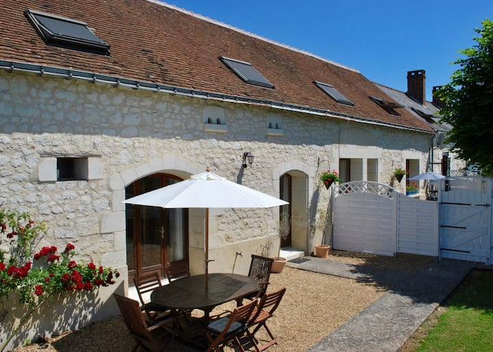 Beautifully presented gite with pool and garden