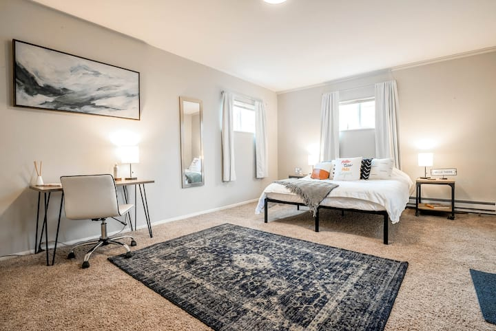Chic Suite in Heart of Walkable South Broadway!
