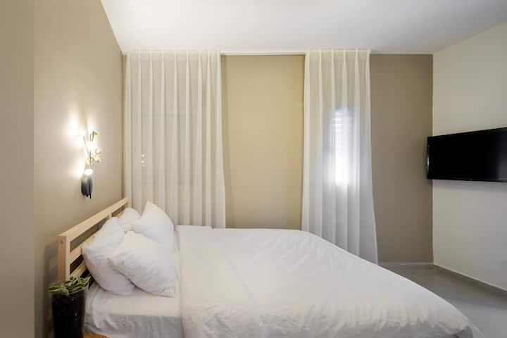 Urbanica Carmel- boutique aparthotel room 1