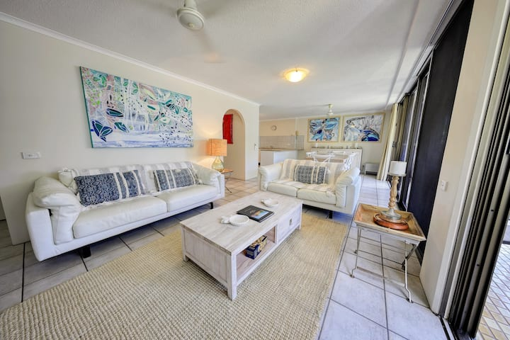 Two Bedroom Ocean View Apartment Clifton Beach