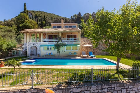 Villa  Capo Lavoro