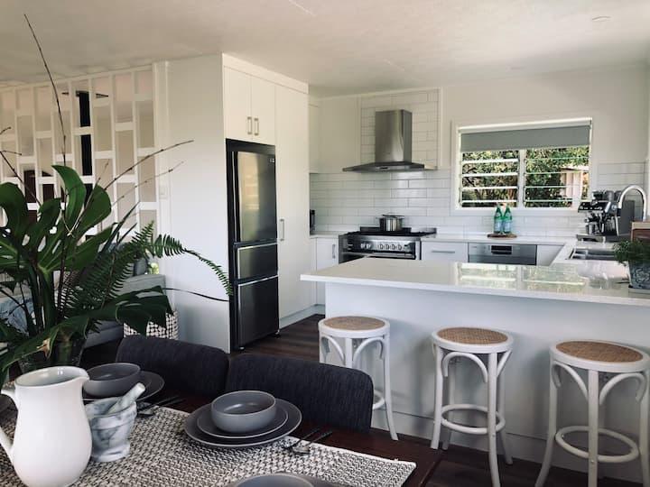 JE Lodge - your island home
