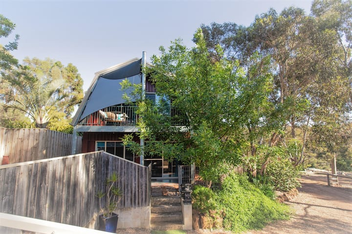 DUNSBOROUGH BARN STAY INCL CONTINENTAL BREAKFAST