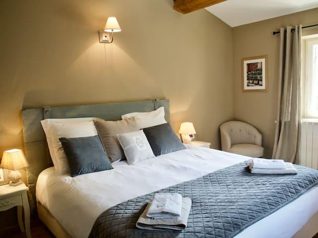 Chambre n°3 avec lit king size en 180 cm