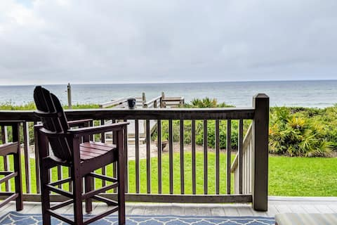 Oceanfront Paradise - Beach at your backdoor!!