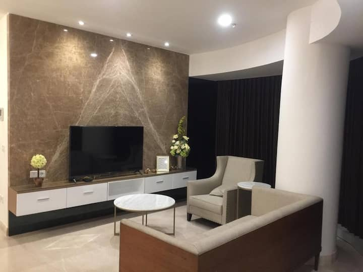 One Icon Residence 3 Bedroom BR Tunjungan Plaza TP