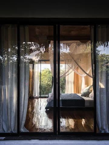 Eden's Gorgeous  Sun Bedroom 1