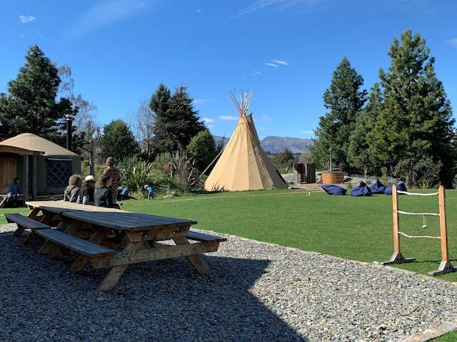 Private Boutique Lodge in Wanaka, Views & HotTub