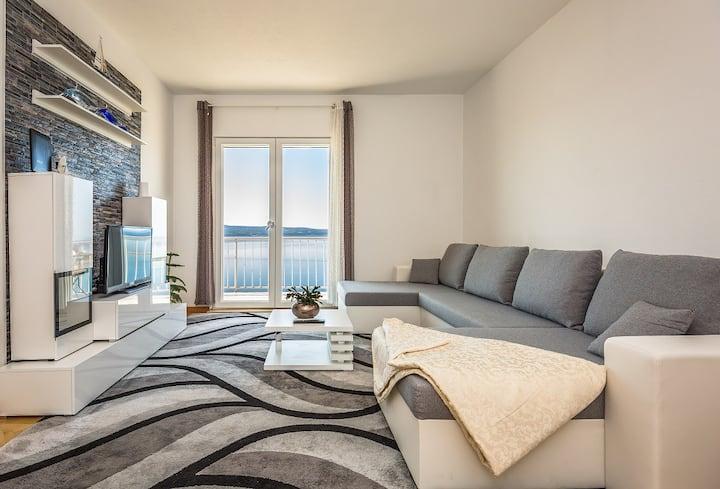 Holiday apartment ALMISSA - new&modern 6+0