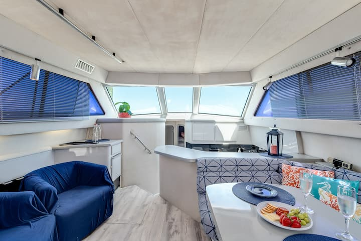 Infinity Yacht in Downtown St Augustine ★★★★★