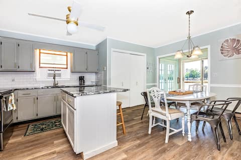 Waterfront Escape - 10 miles-Rehoboth Beach, Pool,