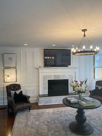 Great Gatsby: Modern, 1920's Home In Plattsburgh