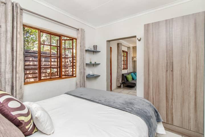 Business or pleasure Luxury Apartment.