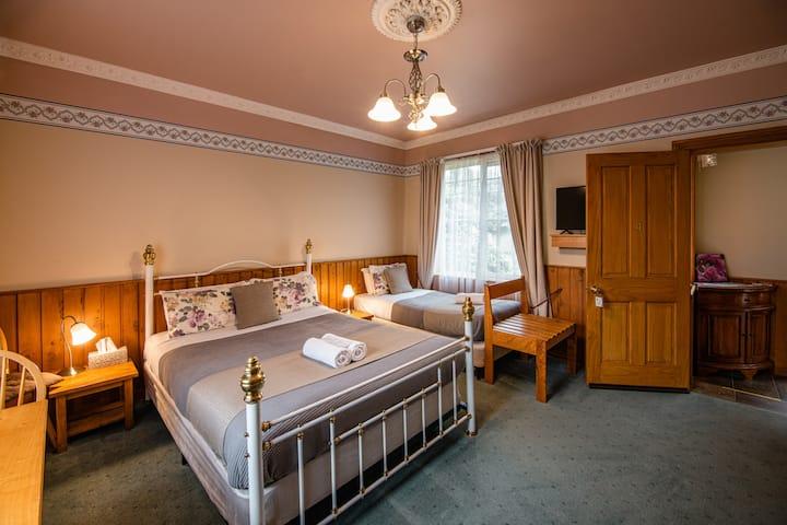Chestnut Room at Alexandria